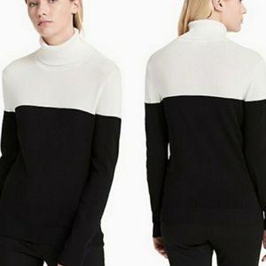 Calvin Klein color block turtleneck sweater M